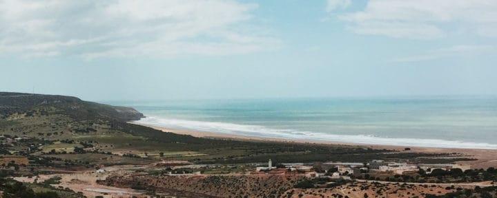 coast-beach-yoga-retreats_source-nosade