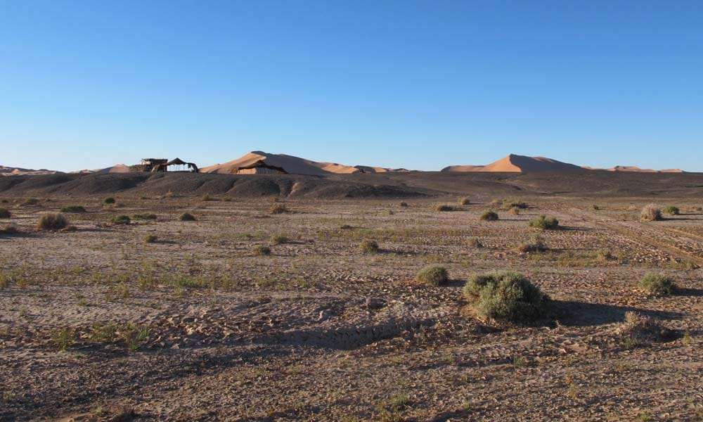 Erg Chebbi dunes Nomad tents Beduines Morocco_Source NOSADE & Erg Chebbi dunes Nomad tents Beduines Morocco_Source NOSADE - NOSADE