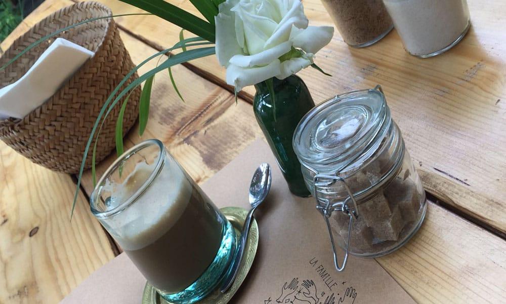 <strong>Café </strong><b>de la Poste</b>