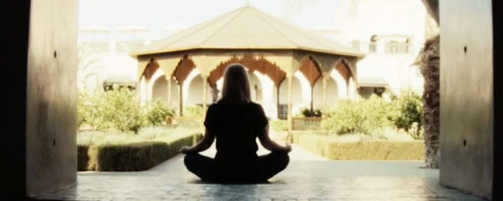 yoga-in-marrakech-jardin-secret_source-nosade